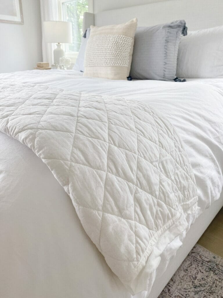 Gap Home frayed edge quilt, white bedding and pretty textured pillows
